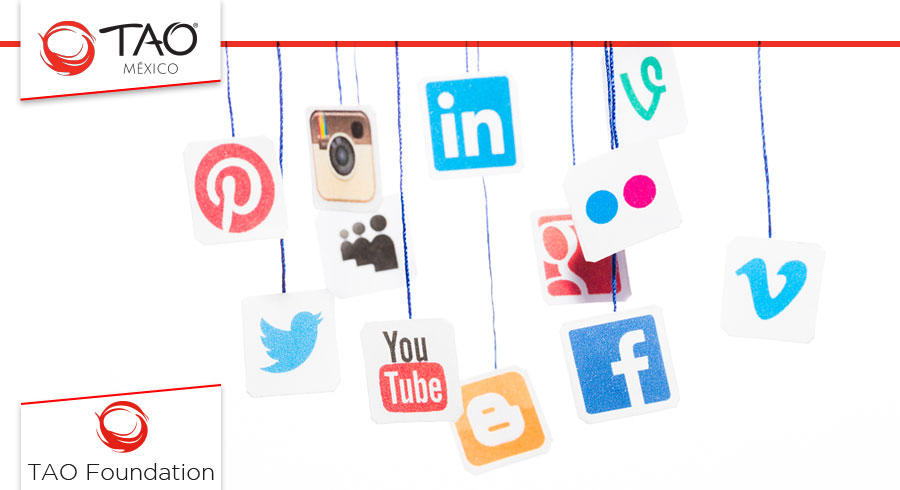 Social Networks //  Redes Sociales