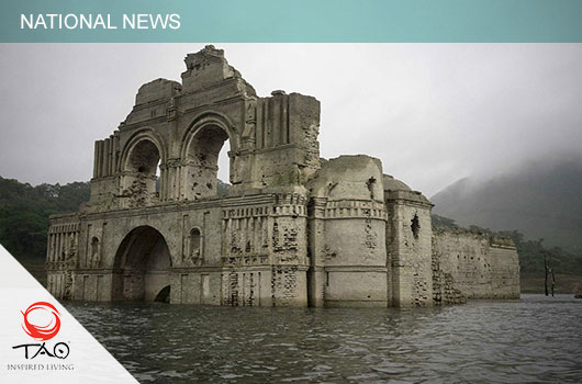 The Nezahualcóyotl reservoir is down 25 meters, revealing 17th-century ruins!